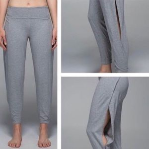 Lululemon Superb pant in great shape size 6